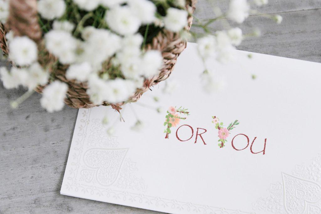 結婚祝いのメッセージカードに書いてはいけないNGワード44選