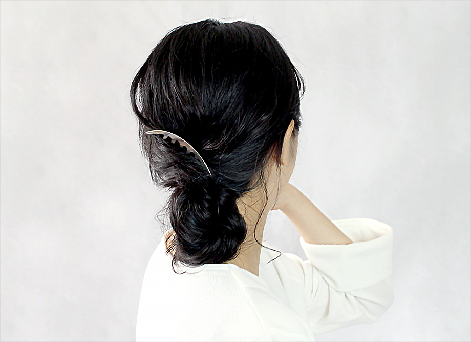 【女性への贈り物に人気】三代目板金屋 ステンレス KANZASHI~Arc Liner combかんざし 全三色 普段使いも出来ます