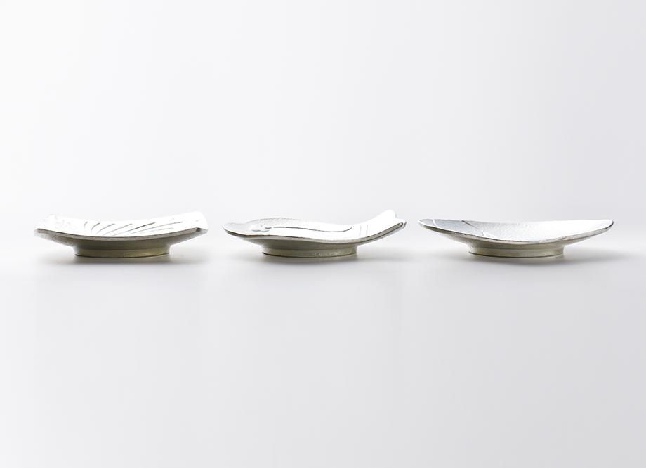 【結婚祝いにおすすめ】縁起の良い錫製 豆皿(まめざら) 福楽(ふっくら) FUKKURA ~高岡銅器の錫製食器~ 側面