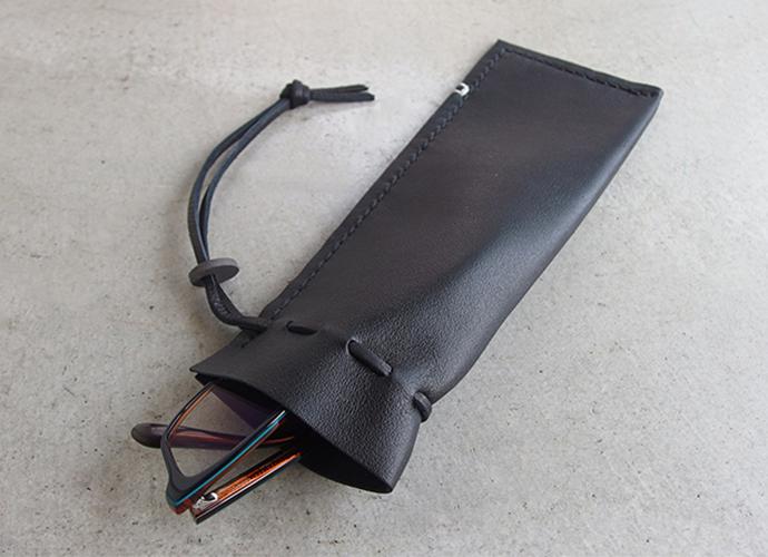 父の日におすすめ 名入れ刻印可能 革製品 ソフトレザーバッグ メガネ入れ