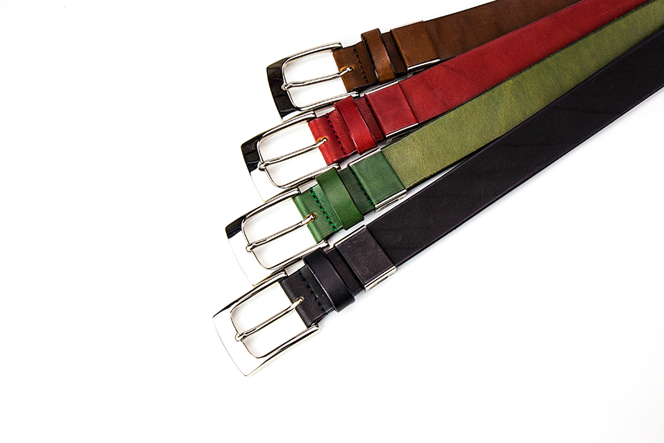 プレゼントにおすすめ!30㎜男女兼用プレーン革ベルト Mサイズ~上質な日本製革小物~ 名入れ可 カラーは4種類 ブラック、グリーン、ボルドー、ビター