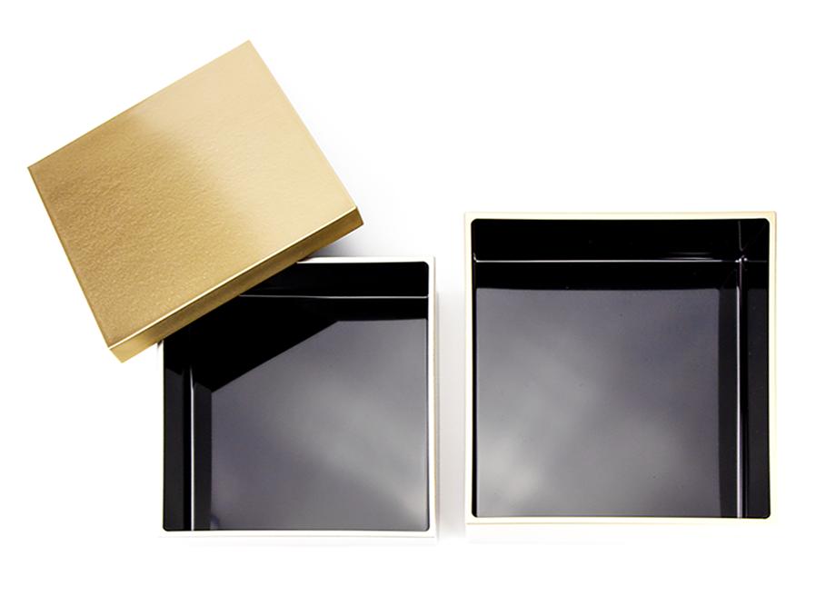 【越前漆器】金銀重ね内黒 三段重 5.0(15.0×15.0×h15.0cm)【お正月】~日本の伝統工芸品 真四角のお重は料理が詰めやすい