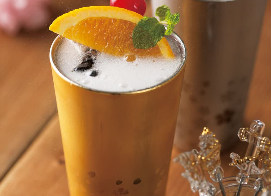 【退職祝いにおすすめ!】匠弥 さくら街道 ステンレス二重タンブラー300ml(外面金メッキ)冷たい飲み物にぴったりなタンブラー